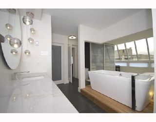 """Photo 9: 2403 1020 HARWOOD Street in Vancouver: West End VW Condo for sale in """"THE CRYSTALLIS"""" (Vancouver West)  : MLS®# V732981"""