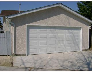 Photo 10: 142 CHARTER Drive in WINNIPEG: Maples / Tyndall Park Residential for sale (North West Winnipeg)  : MLS®# 2808212