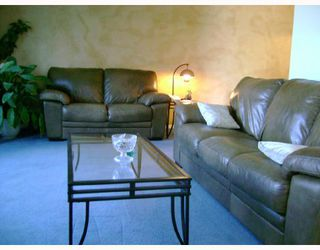 Photo 2: 142 CHARTER Drive in WINNIPEG: Maples / Tyndall Park Residential for sale (North West Winnipeg)  : MLS®# 2808212