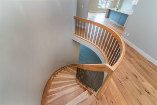 Photo 5: 890 HODGINS RD in Edmonton: Zone 58 House for sale : MLS®# E4183924