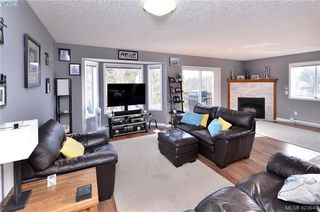 Photo 4: 2193 Bellamy Rd in : La Thetis Heights Half Duplex for sale (Langford)  : MLS®# 836619
