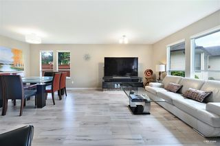 Photo 3: 15115 19A Avenue in Surrey: Sunnyside Park Surrey House for sale (South Surrey White Rock)  : MLS®# R2473595