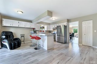 Photo 7: 15115 19A Avenue in Surrey: Sunnyside Park Surrey House for sale (South Surrey White Rock)  : MLS®# R2473595