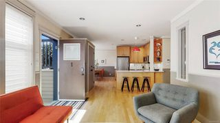 Photo 3: 1 220 Moss St in : Vi Fairfield West Row/Townhouse for sale (Victoria)  : MLS®# 851269