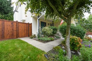 Photo 2: 2256 Walbran Dr in : CV Courtenay East House for sale (Comox Valley)  : MLS®# 857882