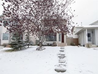 Photo 2: 55 Rivercrest Circle SE in Calgary: Riverbend Detached for sale : MLS®# A1044132