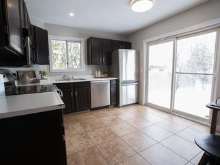 Photo 13: 55 Rivercrest Circle SE in Calgary: Riverbend Detached for sale : MLS®# A1044132