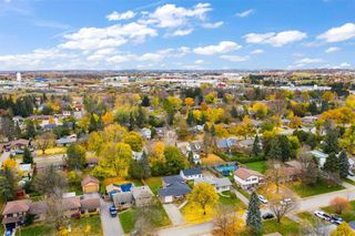 Photo 3: 20 Westdale Avenue: Orangeville House (Backsplit 4) for sale : MLS®# W4975087