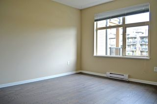 """Photo 8: 309 500 KLAHANIE Drive in Port Moody: Port Moody Centre Condo for sale in """"THE TIDES"""" : MLS®# R2521595"""