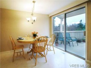 Photo 10: 3810 Merriman Dr in VICTORIA: SE Cedar Hill Single Family Detached for sale (Saanich East)  : MLS®# 520966