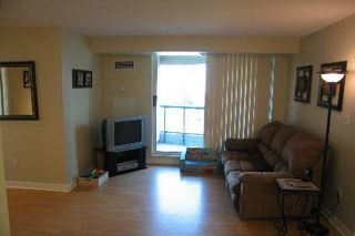 Photo 2: 1 7 Lorraine Drive in Toronto: Condo for sale (C07: TORONTO)  : MLS®# C1753613