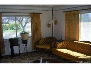 Photo 2: 1160 Hillside Avenue in VICTORIA: Vi Hillside Single Family Detached for sale (Victoria)  : MLS®# 243037