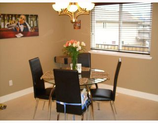 Photo 7: 23733 115TH Avenue in Maple_Ridge: Cottonwood MR House for sale (Maple Ridge)  : MLS®# V754102