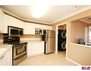 "Photo 4: 404 20189 54TH Avenue in Langley: Langley City Condo for sale in ""CATALINA GARDENS"" : MLS®# F2909266"