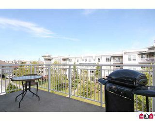 "Photo 10: 404 20189 54TH Avenue in Langley: Langley City Condo for sale in ""CATALINA GARDENS"" : MLS®# F2909266"
