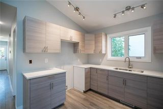 Photo 4: 217 Union Avenue West in Winnipeg: East Kildonan Residential for sale (3A)  : MLS®# 1922014