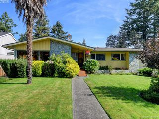 Main Photo: 2048 Frederick Norris Road in VICTORIA: OB Henderson Single Family Detached for sale (Oak Bay)  : MLS®# 414824
