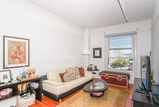 Photo 2: 404 175 E BROADWAY in Vancouver: Mount Pleasant VE Condo for sale (Vancouver East)  : MLS®# R2399604