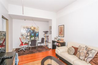 Photo 4: 404 175 E BROADWAY in Vancouver: Mount Pleasant VE Condo for sale (Vancouver East)  : MLS®# R2399604