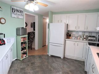 "Photo 13: 61 5742 UNSWORTH Road in Sardis: Vedder S Watson-Promontory Manufactured Home for sale in ""Cedar Grove"" : MLS®# R2405974"