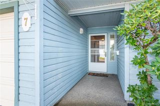 Photo 2: 7 515 Mount View Ave in VICTORIA: Co Hatley Park Row/Townhouse for sale (Colwood)  : MLS®# 825575