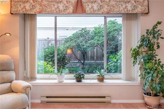 Photo 4: 7 515 Mount View Ave in VICTORIA: Co Hatley Park Row/Townhouse for sale (Colwood)  : MLS®# 825575