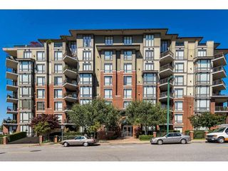 """Photo 1: 101 1551 FOSTER Street: White Rock Condo for sale in """"SUSSEX HOUSE"""" (South Surrey White Rock)  : MLS®# R2424171"""