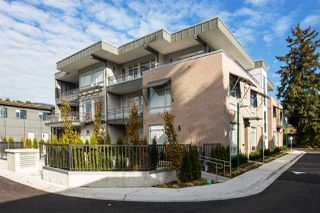 """Photo 3: 205 1591 BOWSER Avenue in North Vancouver: Norgate Condo for sale in """"CHELSEA MEWS"""" : MLS®# R2427154"""