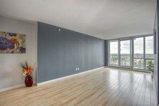 """Photo 5: 2109 9981 WHALLEY Boulevard in Surrey: Whalley Condo for sale in """"PARK PLACE 2"""" (North Surrey)  : MLS®# R2437673"""