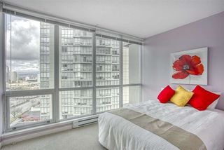 """Photo 1: 2109 9981 WHALLEY Boulevard in Surrey: Whalley Condo for sale in """"PARK PLACE 2"""" (North Surrey)  : MLS®# R2437673"""