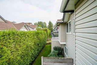 """Photo 15: 17 8716 WALNUT GROVE Drive in Langley: Walnut Grove Townhouse for sale in """"Willow Arbour"""" : MLS®# R2498725"""