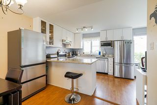 """Photo 8: 17 8716 WALNUT GROVE Drive in Langley: Walnut Grove Townhouse for sale in """"Willow Arbour"""" : MLS®# R2498725"""