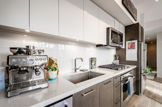 """Photo 5: 705 384 E 1ST Avenue in Vancouver: Strathcona Condo for sale in """"CANVAS"""" (Vancouver East)  : MLS®# R2507867"""