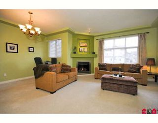 "Photo 4: 39 16760 61ST Avenue in Surrey: Cloverdale BC Townhouse for sale in ""HARVEST LANDING"" (Cloverdale)  : MLS®# F2903413"