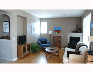 "Photo 3: 4 23233 KANAKA Way in Maple_Ridge: Cottonwood MR Townhouse for sale in ""RIVERWOODS"" (Maple Ridge)  : MLS®# V761879"