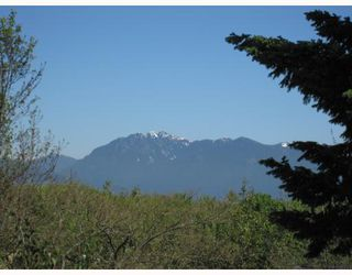 Photo 2: 3468 W 30TH Avenue in Vancouver: Dunbar House for sale (Vancouver West)  : MLS®# V769057