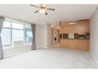 """Photo 4: 70 2270 196 Street in Langley: Brookswood Langley Manufactured Home for sale in """"Pineridge Park"""" : MLS®# R2398738"""