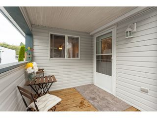 """Photo 2: 70 2270 196 Street in Langley: Brookswood Langley Manufactured Home for sale in """"Pineridge Park"""" : MLS®# R2398738"""