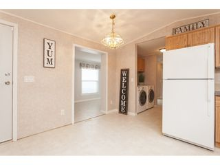 """Photo 9: 70 2270 196 Street in Langley: Brookswood Langley Manufactured Home for sale in """"Pineridge Park"""" : MLS®# R2398738"""