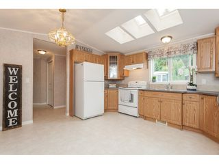 """Photo 7: 70 2270 196 Street in Langley: Brookswood Langley Manufactured Home for sale in """"Pineridge Park"""" : MLS®# R2398738"""