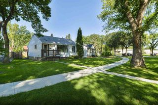 Photo 2: 11832 61 Street in Edmonton: Zone 06 House for sale : MLS®# E4172675