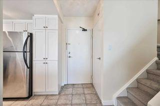 Main Photo: 609 1000 Cedarglen Gate in Mississauga: Erindale Condo for sale : MLS®# W4584593