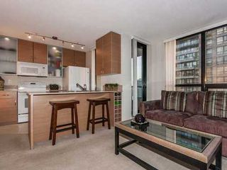 Photo 5: 2307 909 MAINLAND Street in Vancouver West: Home for sale : MLS®# V986302