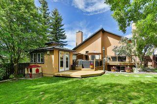 Photo 2: 111 EDFORTH Place NW in Calgary: Edgemont Detached for sale : MLS®# C4280432