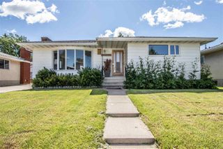 Photo 1: 11019 165 Avenue in Edmonton: Zone 27 House for sale : MLS®# E4206904