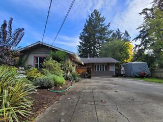 Main Photo: 1848 Queens Ave in : CV Comox (Town of) House for sale (Comox Valley)  : MLS®# 858093