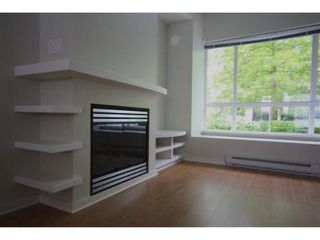 """Photo 3: 6828 VILLAGE Grove in Burnaby: Highgate Townhouse for sale in """"CAMARILLO at the VILLAGE"""" (Burnaby South)  : MLS®# V838315"""