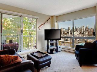 "Photo 2: 406 1510 W 1ST Avenue in Vancouver: False Creek Condo for sale in ""MARINER'S WALK"" (Vancouver West)  : MLS®# V853806"