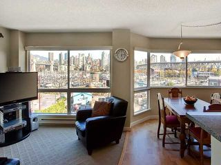 "Photo 4: 406 1510 W 1ST Avenue in Vancouver: False Creek Condo for sale in ""MARINER'S WALK"" (Vancouver West)  : MLS®# V853806"