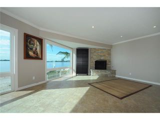 Photo 2: PACIFIC BEACH Home for sale or rent : 3 bedrooms : 3920 Riviera #V